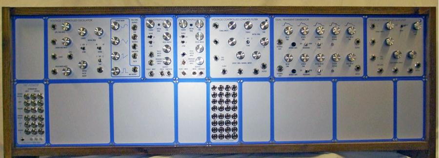 EXCLUSIVELY ANALOGUE MODULAR SYNTHESIZERS
