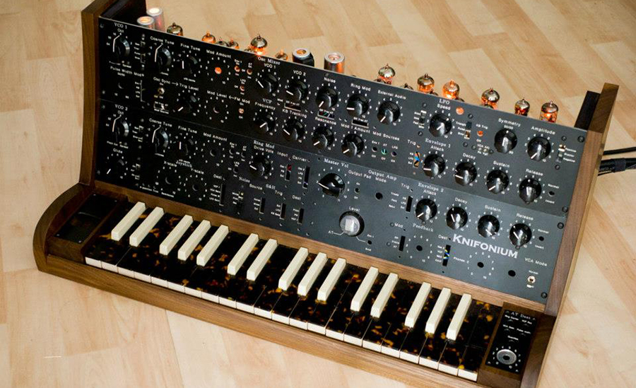 Knifonium - Röhren- Synthesizer
