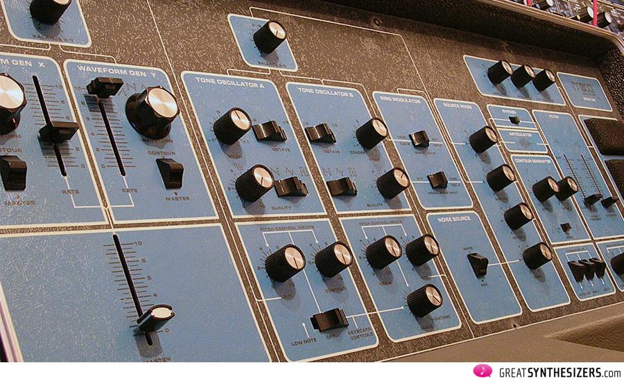 Moog-SonicSix-04
