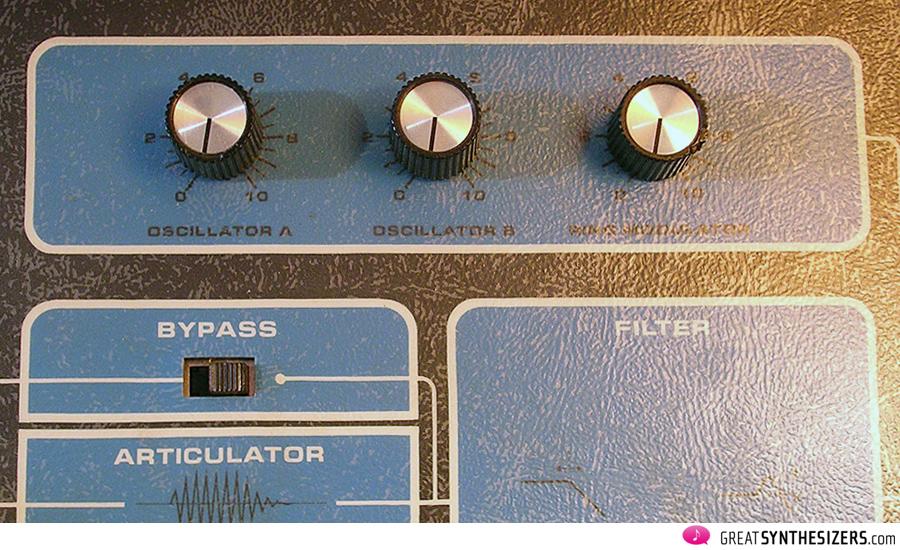 Moog-SonicSix-15