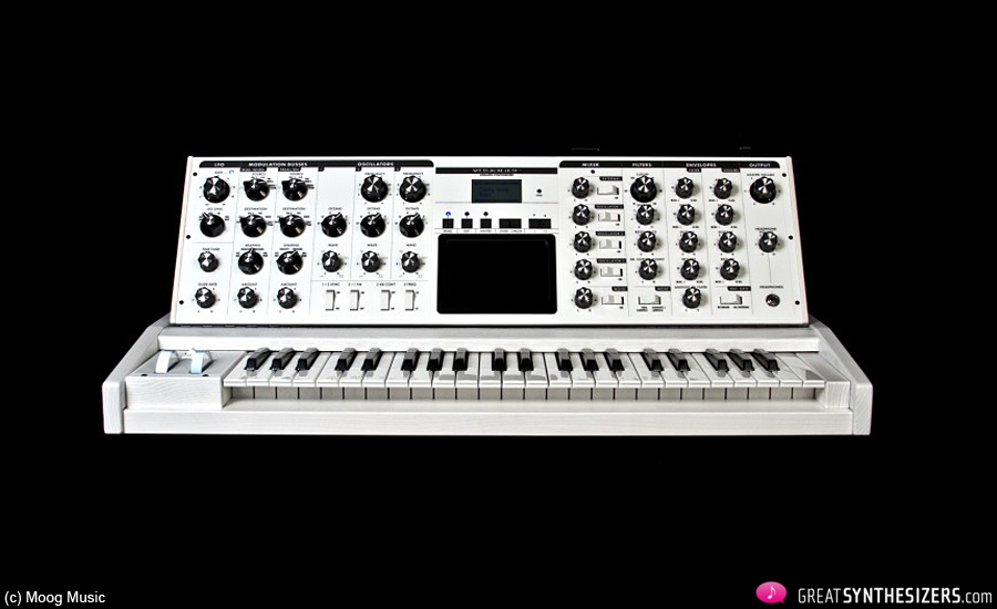 Moog-Voyager-White-01