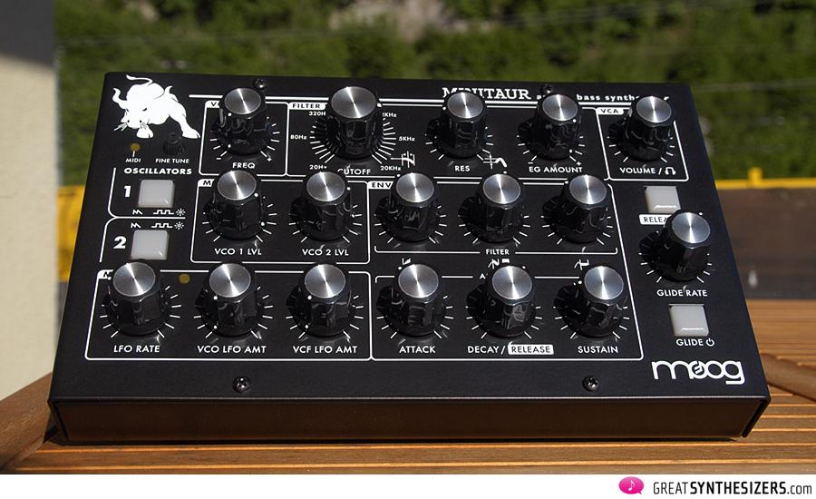 Moog-MiniTaur-01