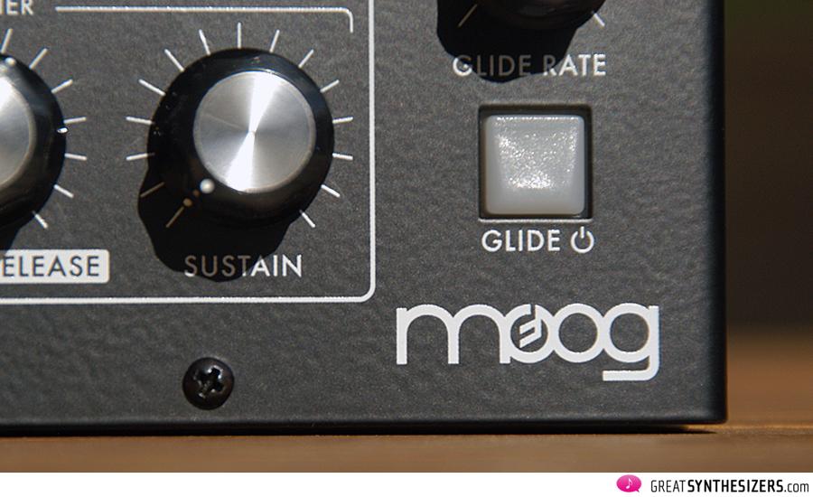 Moog-MiniTaur-07