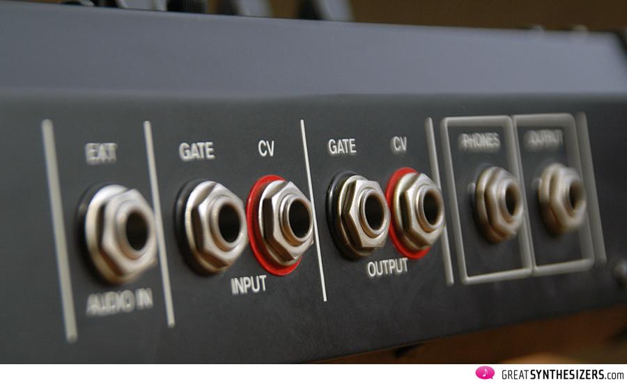 Roland-SH2-05
