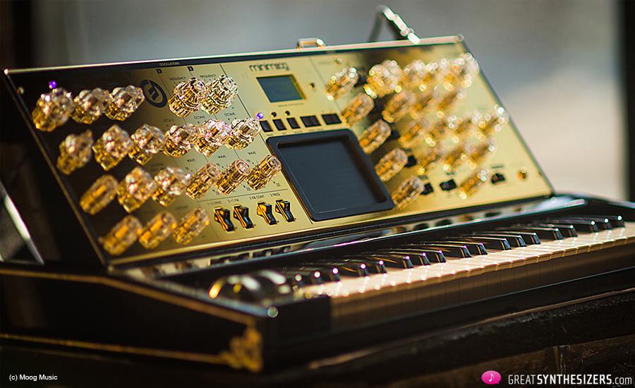 Moog-Voyager-Gold-01