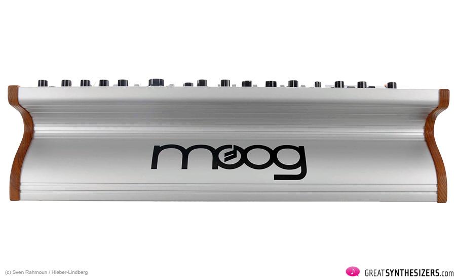 Moog-SUB37-04