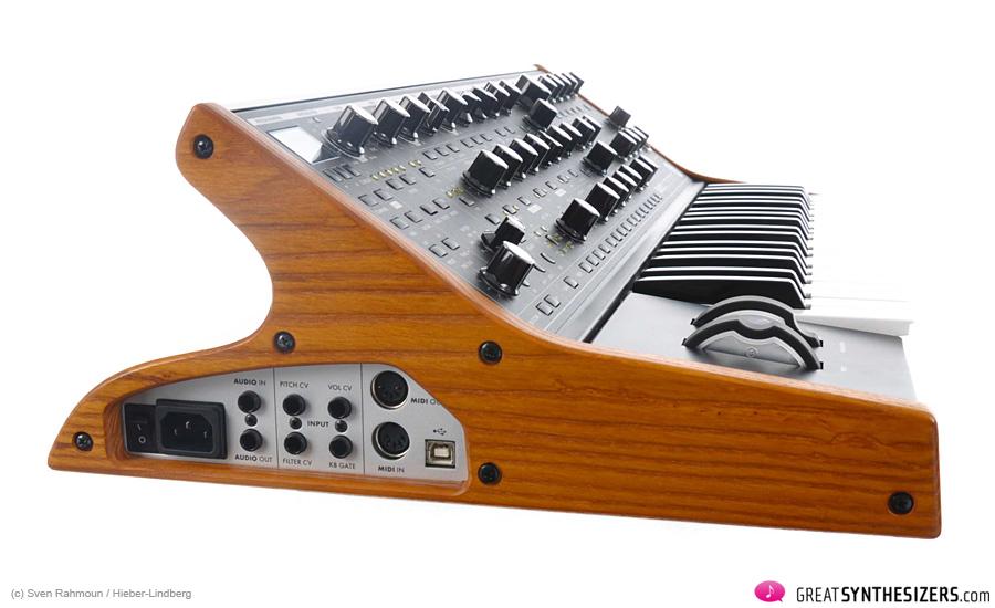 Moog-SUB37-05