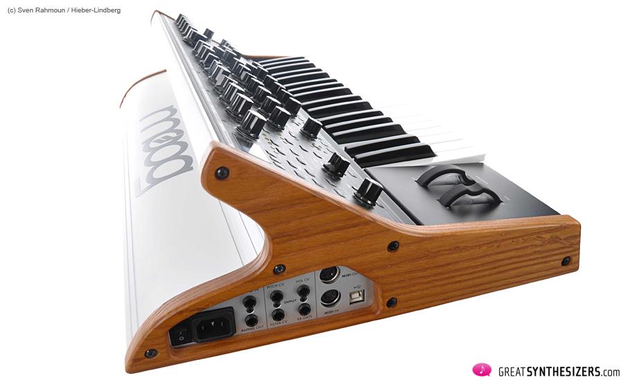 Moog-SUB37-06