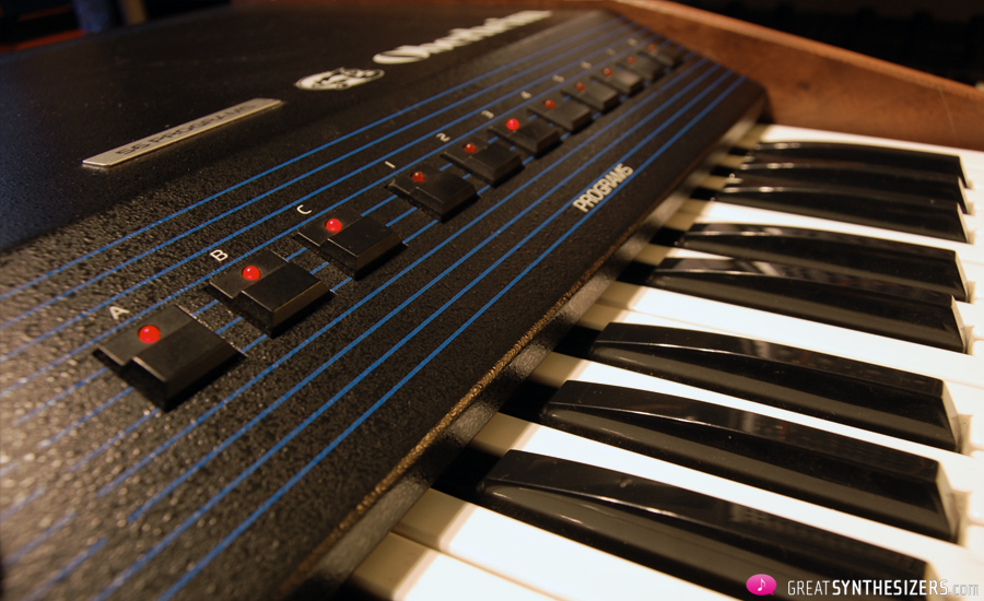 Oberheim-OBSX-Synthesizer-01