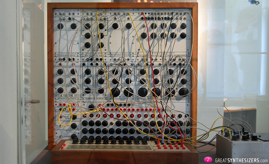 Buchla-Synthesizer1976-Krenek-01