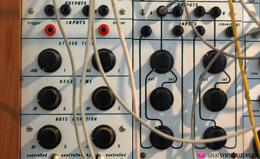 Buchla-Synthesizer1976-Krenek-02