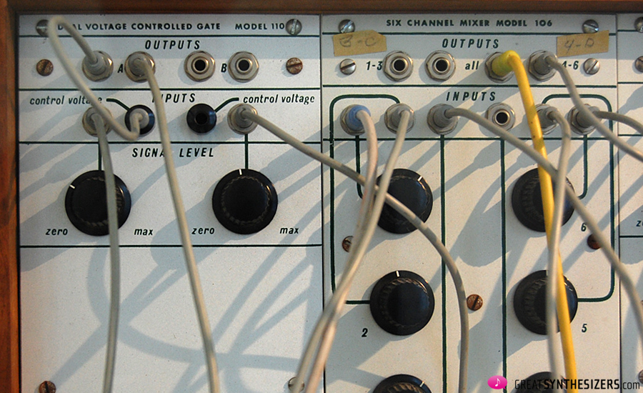 Buchla-Synthesizer1976-Krenek-03