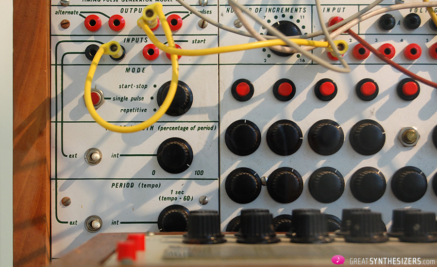 Buchla-Synthesizer1976-Krenek-09