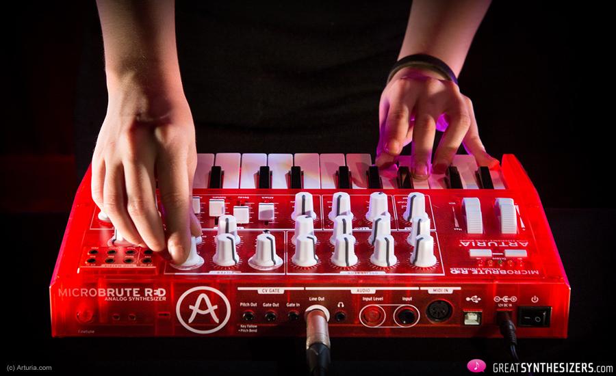 Arturia-MicroBrute-RED-2