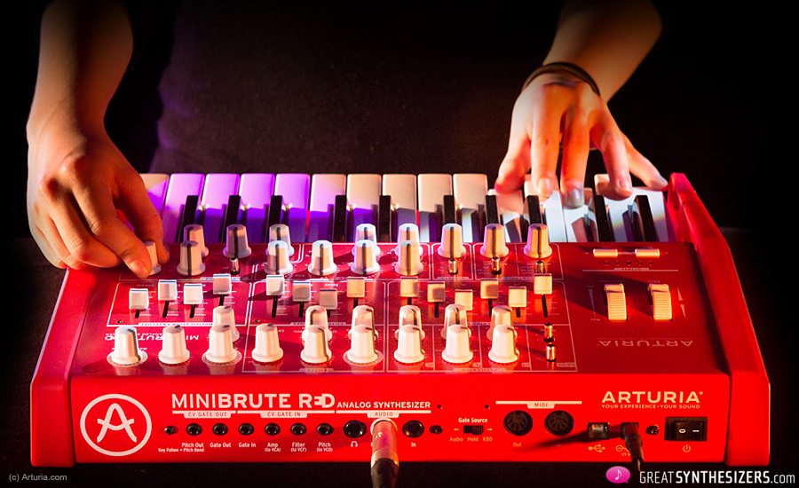 Arturia-MiniBrute-RED-2
