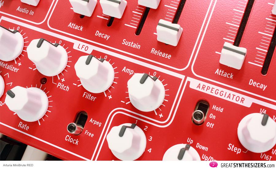 arturia-minibrute-red-01
