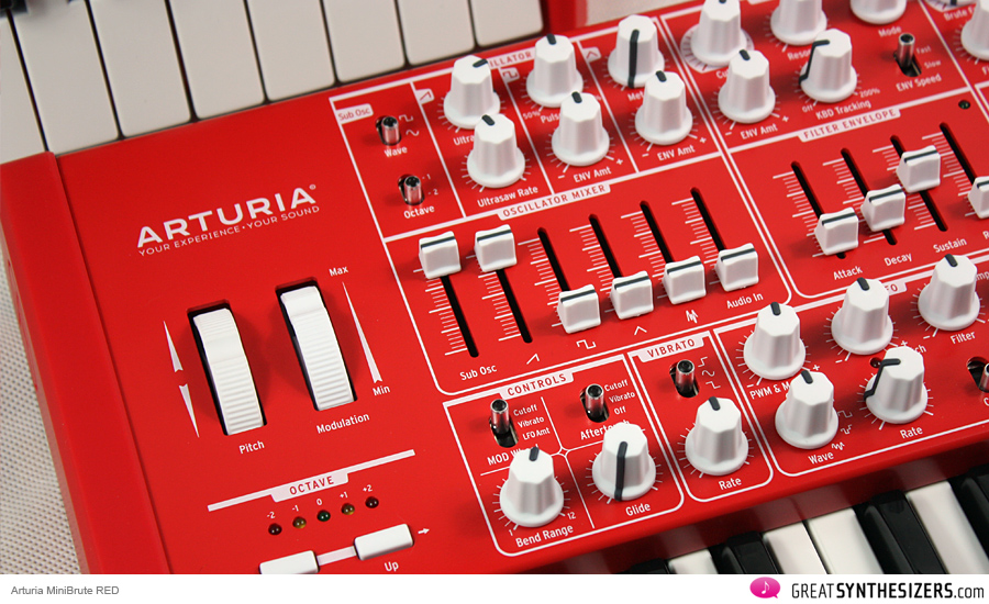 arturia-minibrute-red-02