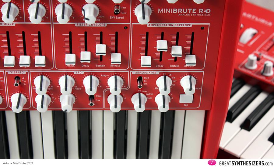 arturia-minibrute-red-03