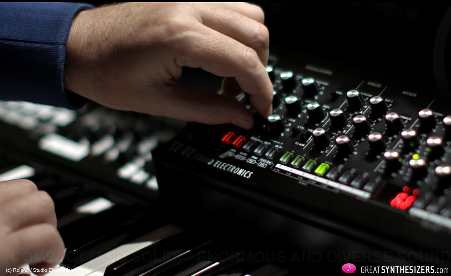 Roland-SE-02-Synthesizer-03
