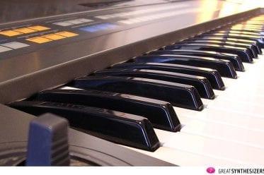 Roland JX-8P Synthesizer