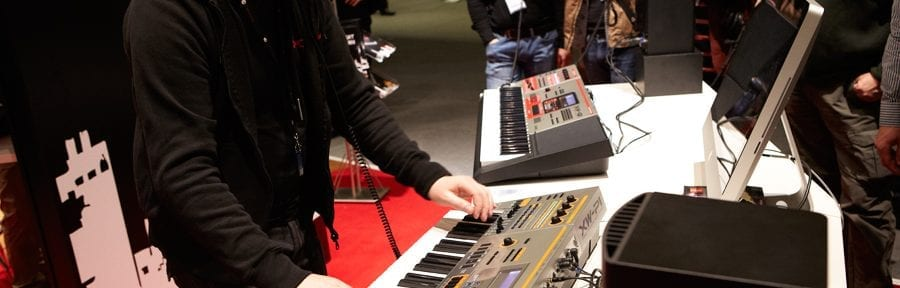 CASIO Performance-Synthesizer XW-P1