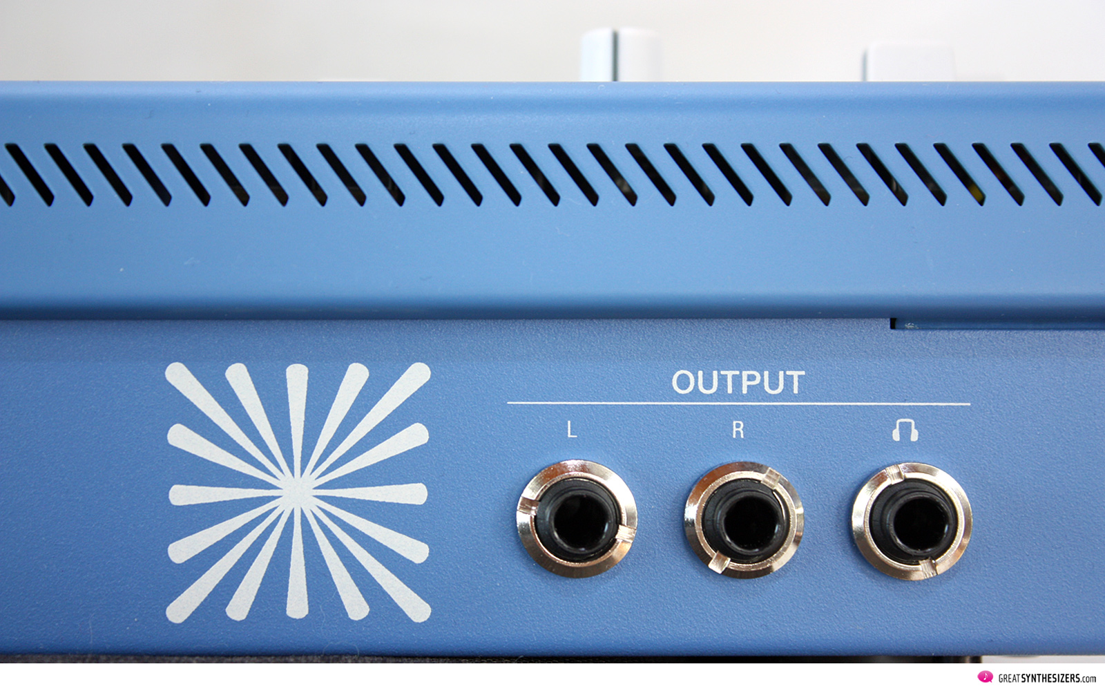 UDO Audio SUPER 6 SynthesizerUDO Audio SUPER 6 Synthesizer